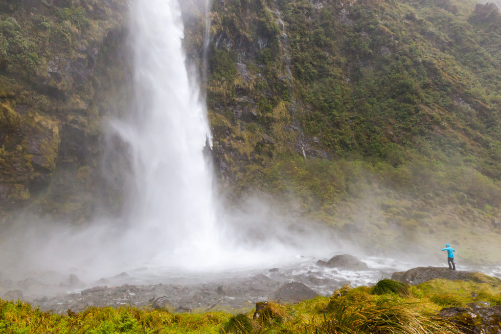 Sutherland Falls, the highest in New Zealand. The water falls 580m.